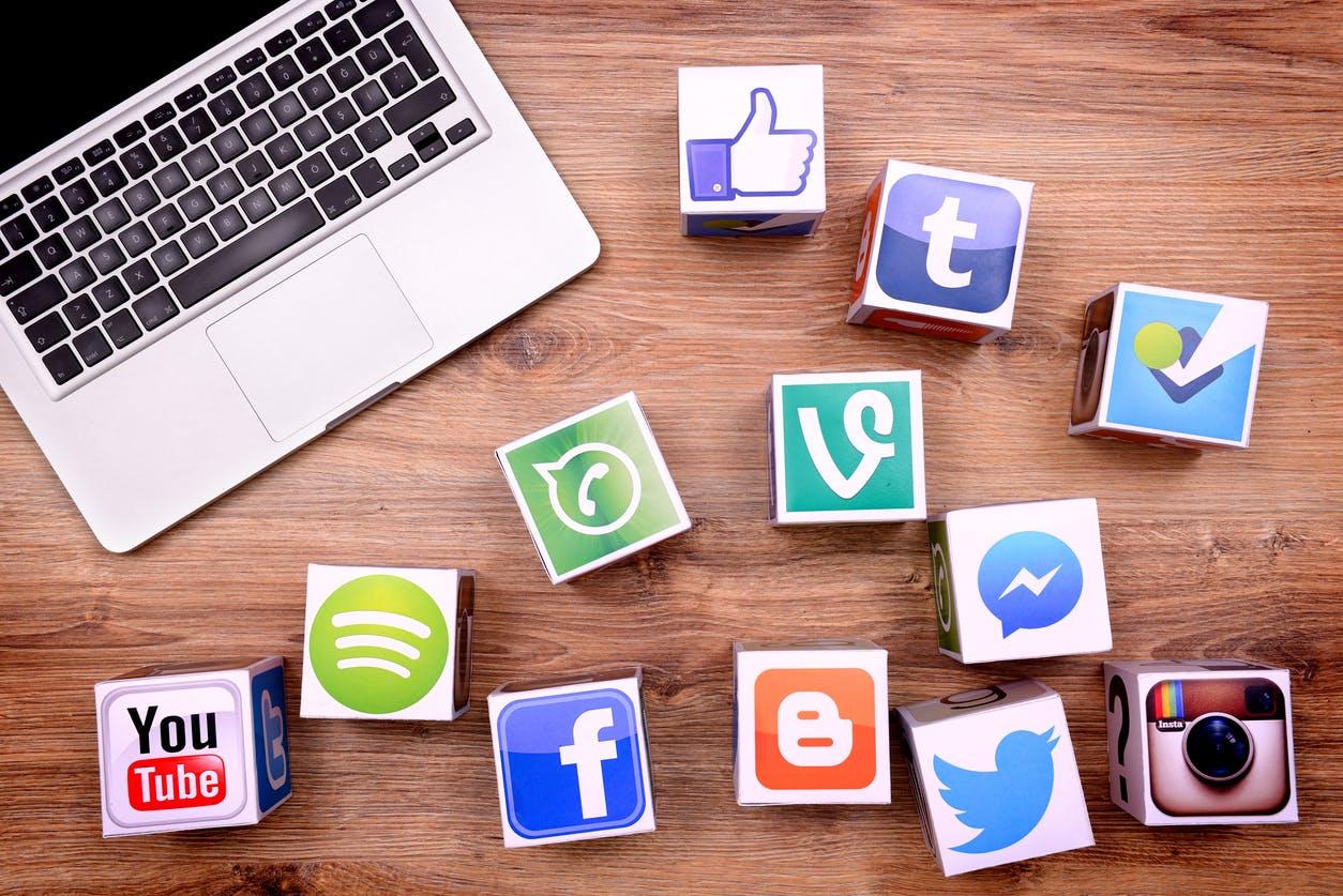 Social Media: Paid vs Organic